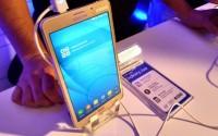 Samsung Galaxy J Max против Xiaomi Mi Max: сравнение смартфонов с большими экранами